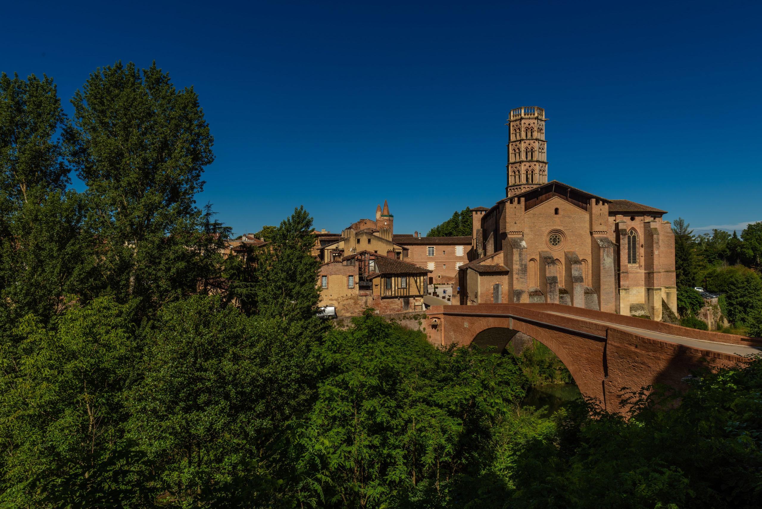 Visiter Rieux-Volvestre Rieux-Volvestre en Haute-Garonne en Occitanie dans le Sud de la France près de Toulouse